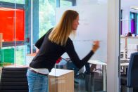 Glasdekorfolie mit Whiteboard-Effekt